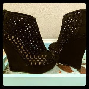 Black Wedge Heels Size 7.5